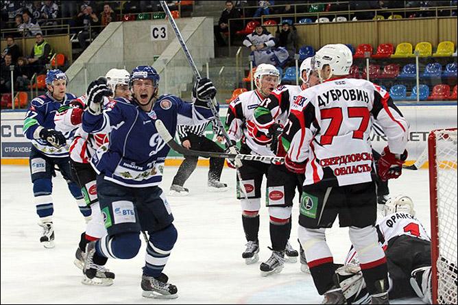 хоккей Динамо М – Автомобилист